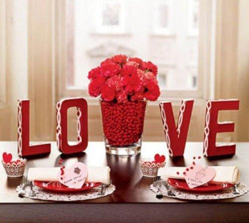 Mesaje de dragoste și decor în alb și roșu, Foto: designswan.com