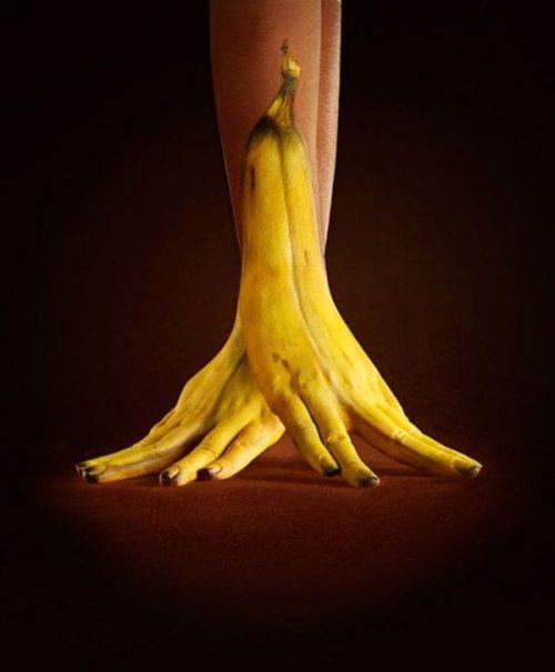Banana și mâinile