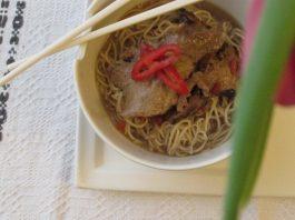Tăiței chinezești cu porc