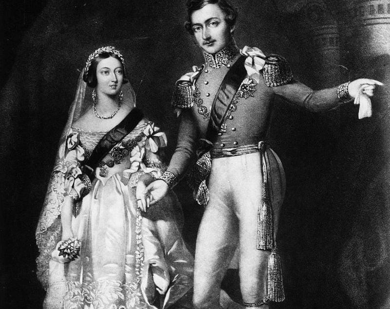 Regina Victoria în rochia sa de mireasă