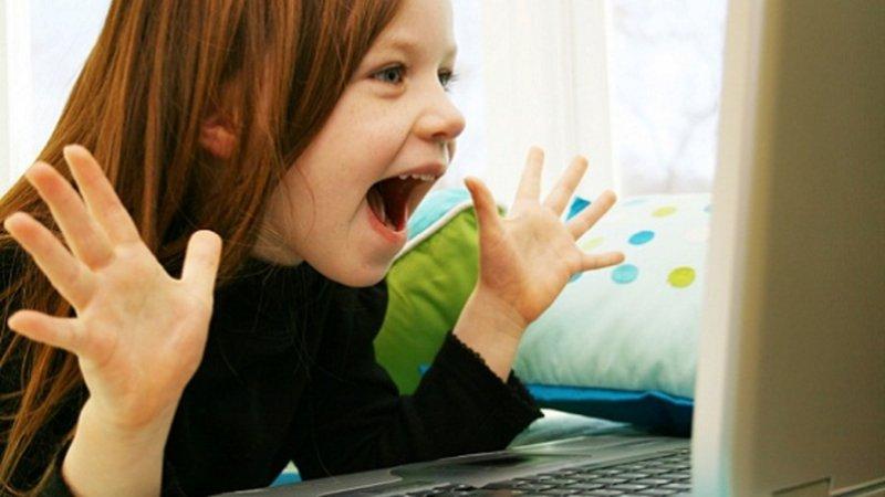 3-copiii-pe-facebook
