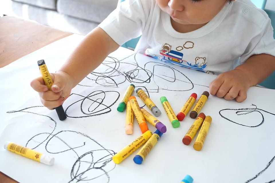 3-de-ce-deseneaza-copiii
