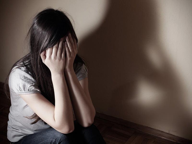 4-criza-adolescentei-depresie-cronia