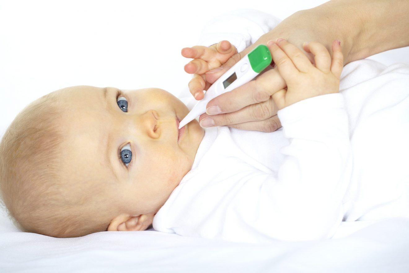 2-febra-la-bebeluș
