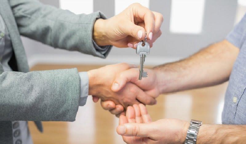 predarea cheilor dupa inchirierea apartamentului