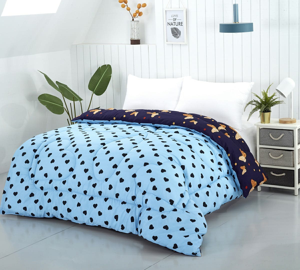 Lenjerie de pat albastra cu inimi