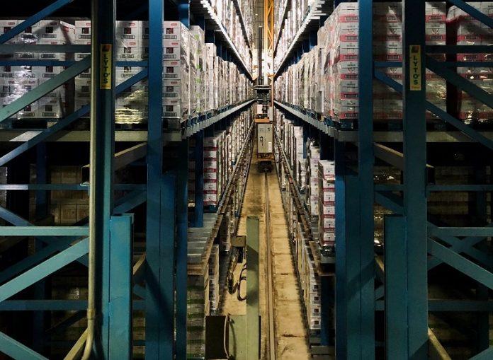 depozit de logistică