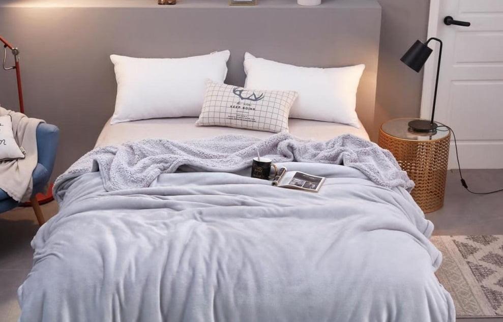 Pătura moale și confortabilă pentru pat