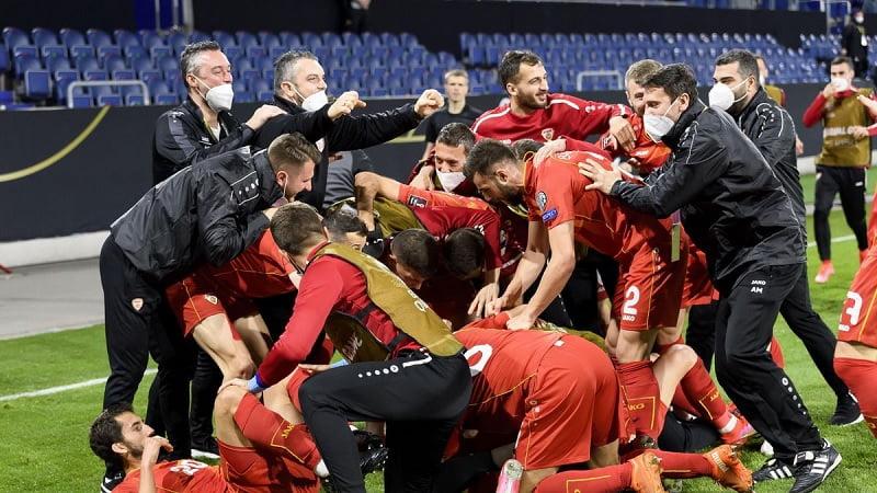echipa sarbatoreste marcarea golului